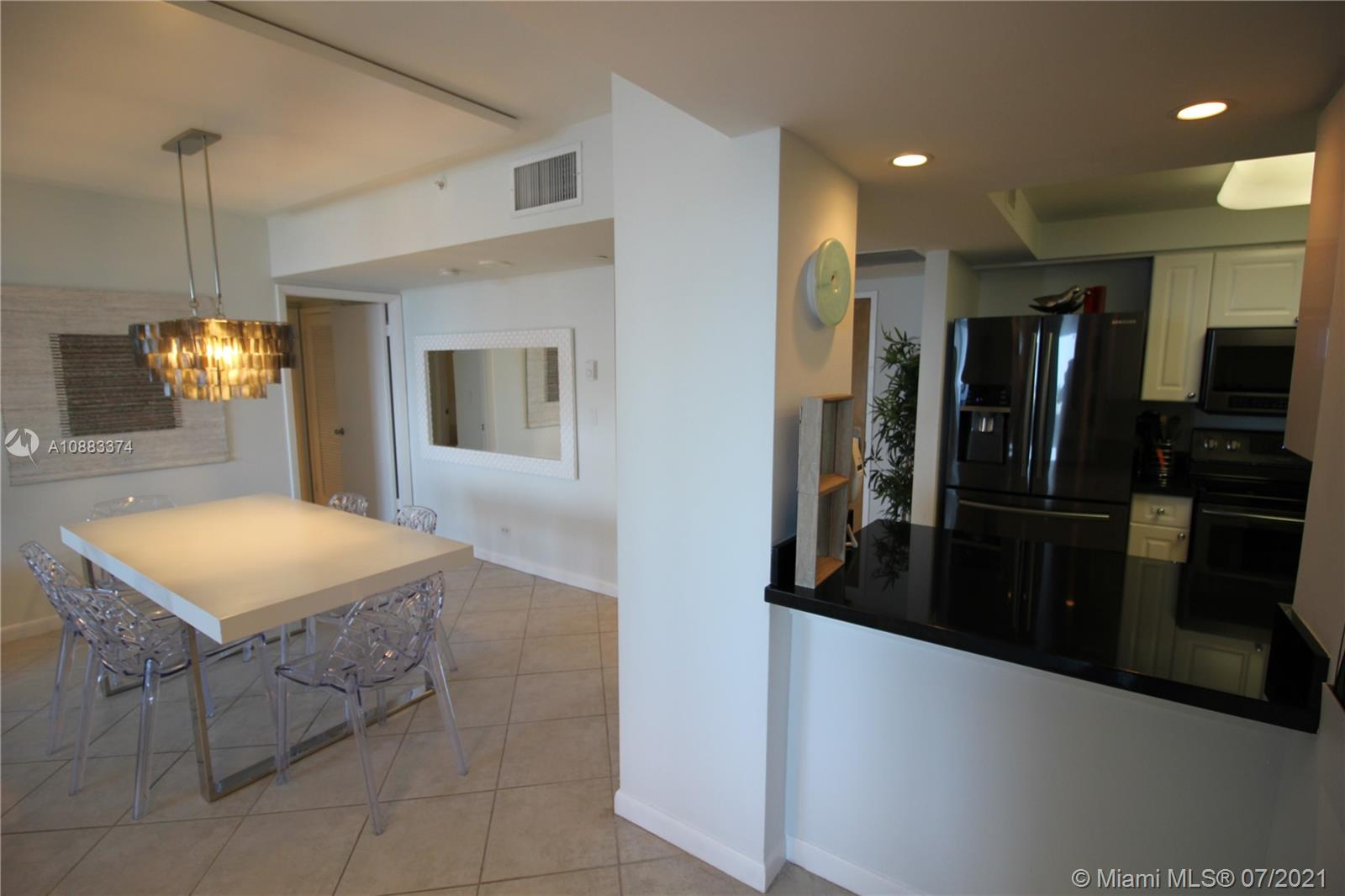 Photo of 2301 Collins Ave #526 listing for Sale