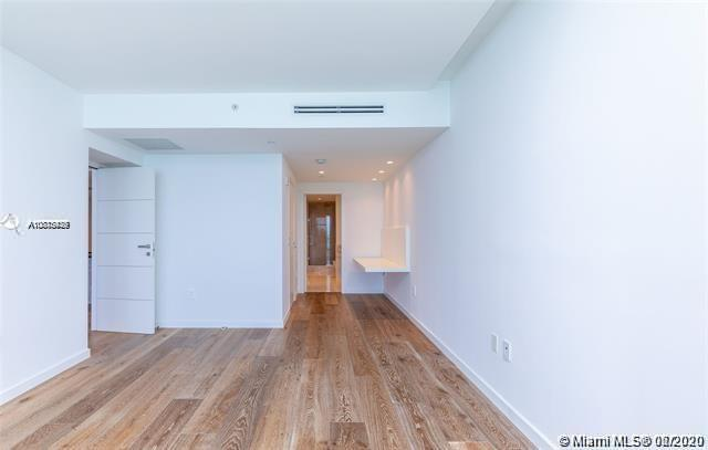 17121 Collins Ave #1507 photo017