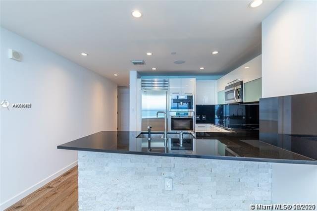 17121 Collins Ave #1507 photo05