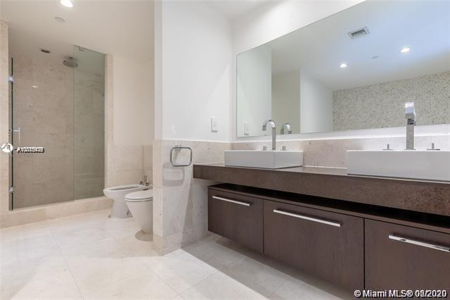 17121 Collins Ave #1507 photo024