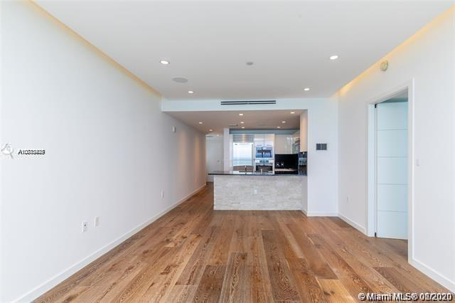 17121 Collins Ave #1507 photo08