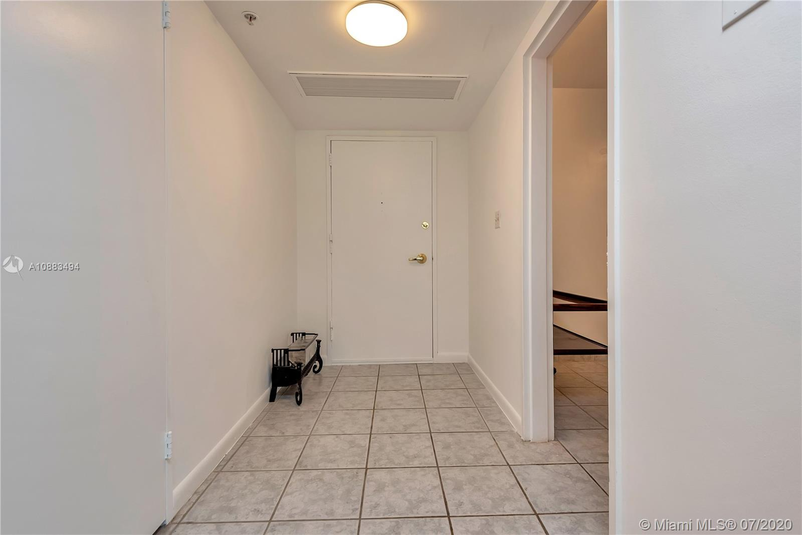 5700 Collins Ave #4N photo016