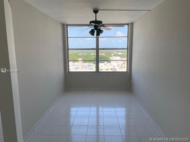 2899 Collins Ave #1042 photo013