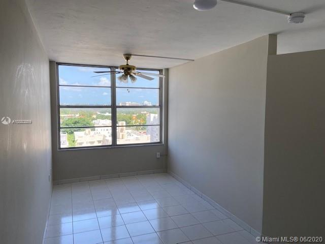 2899 Collins Ave #1042 photo014