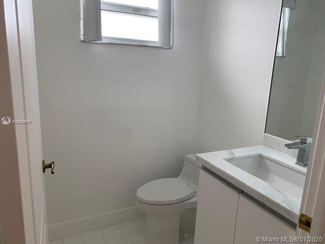 10730 NW 66th St #108 photo013