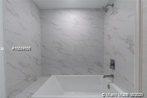 SLS Lux Brickell #4709 - 21 - photo