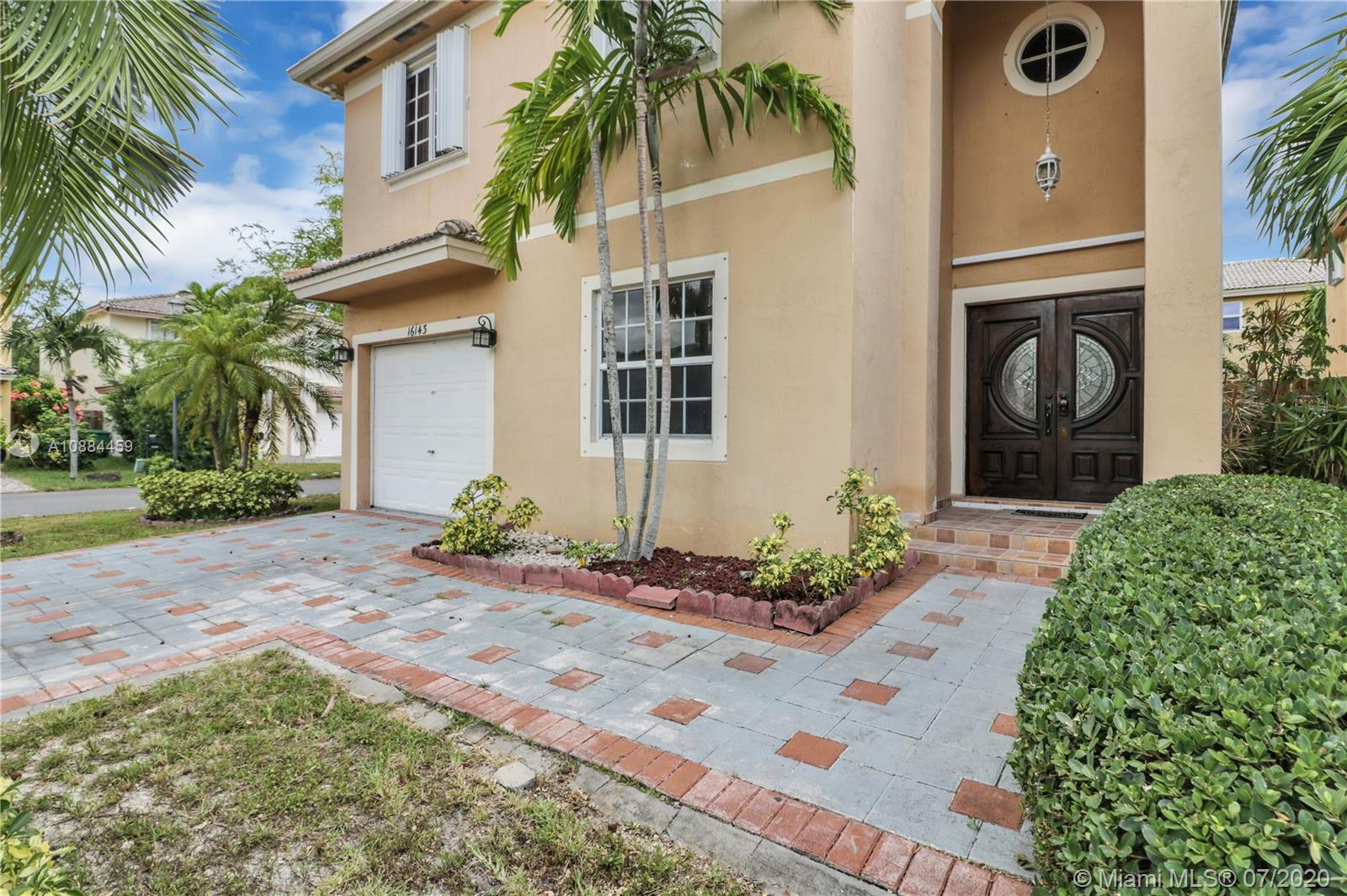 16143 SW 106th Ter photo02