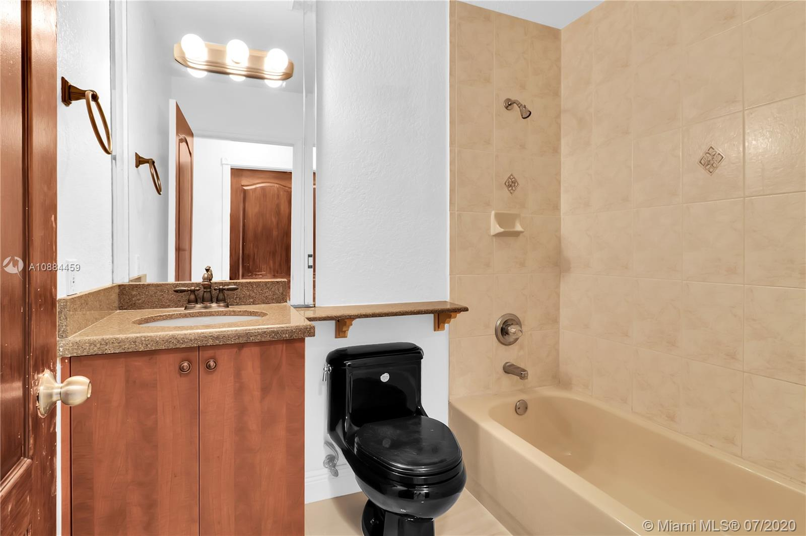 16143 SW 106th Ter photo012