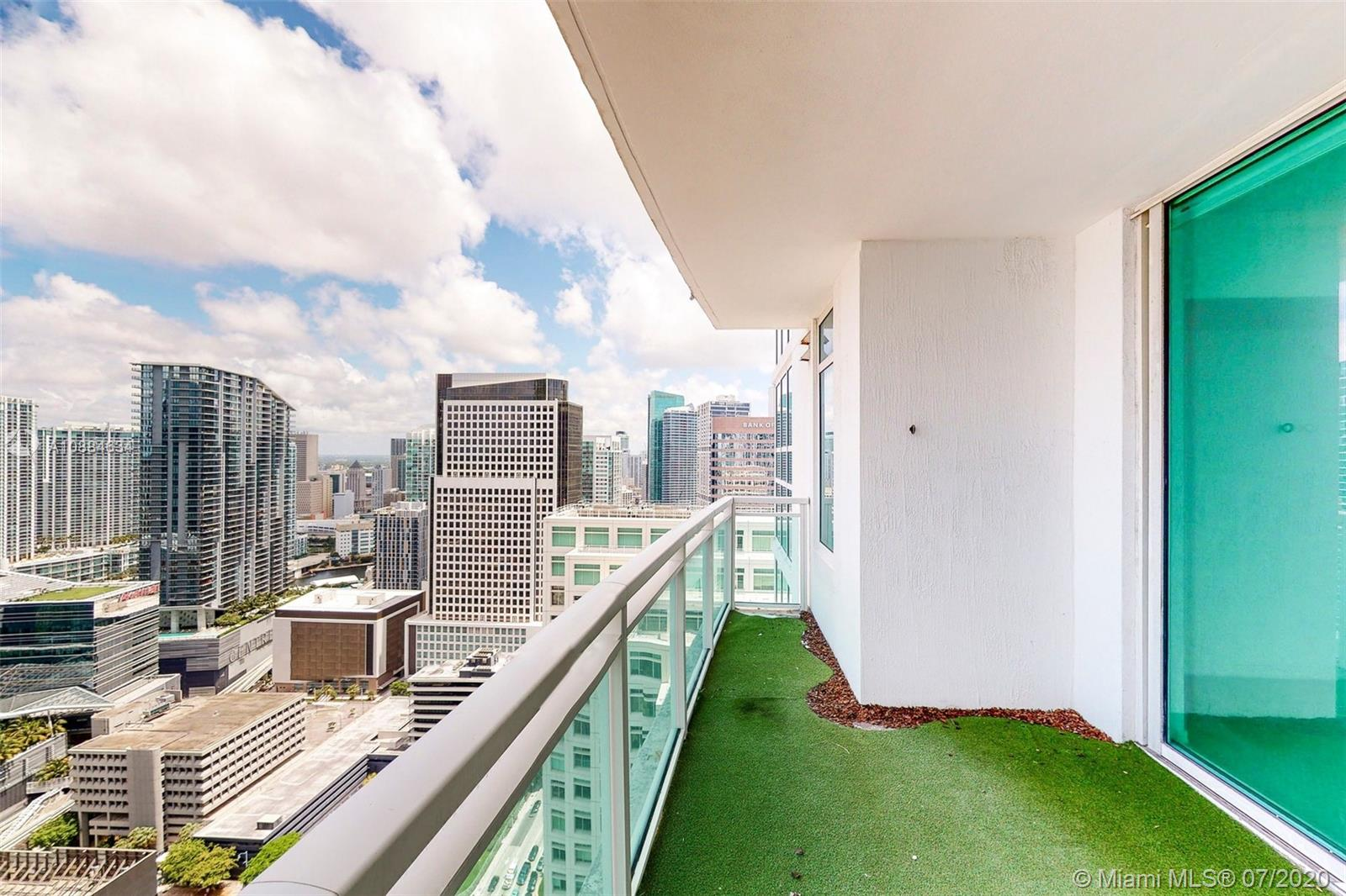 Photo of 950 Brickell Bay Dr #4000 listing for Sale