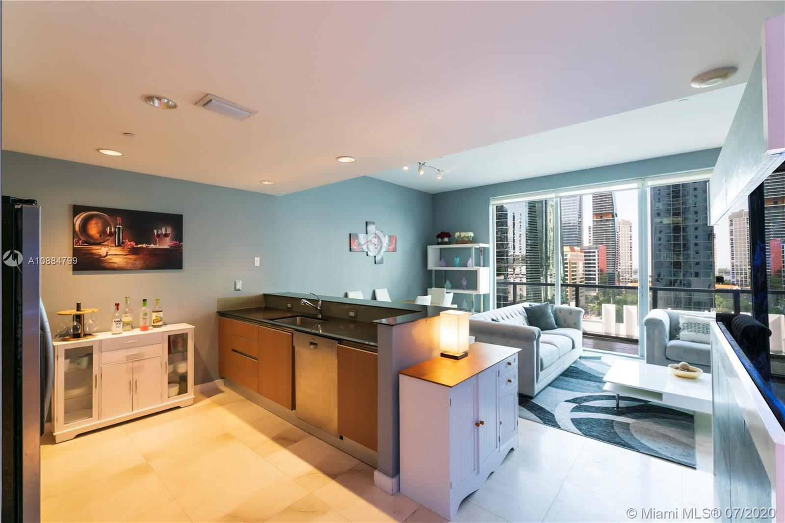 1060 Brickell Ave #1209 photo02