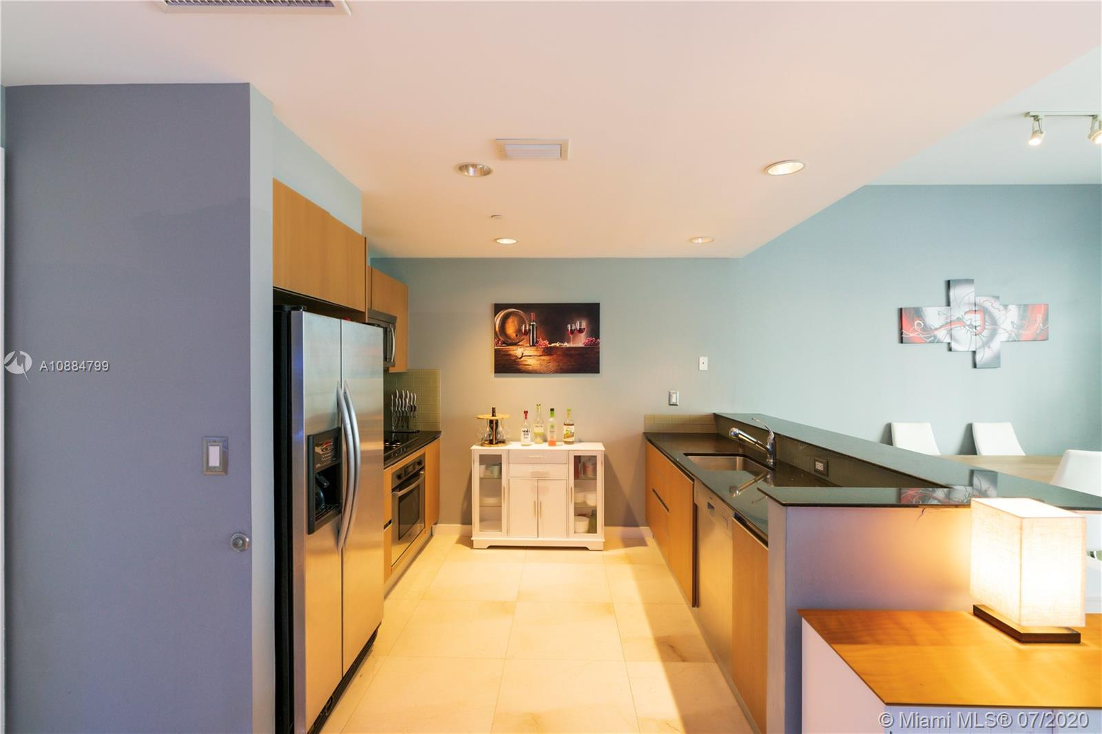 1060 Brickell Ave #1209 photo05