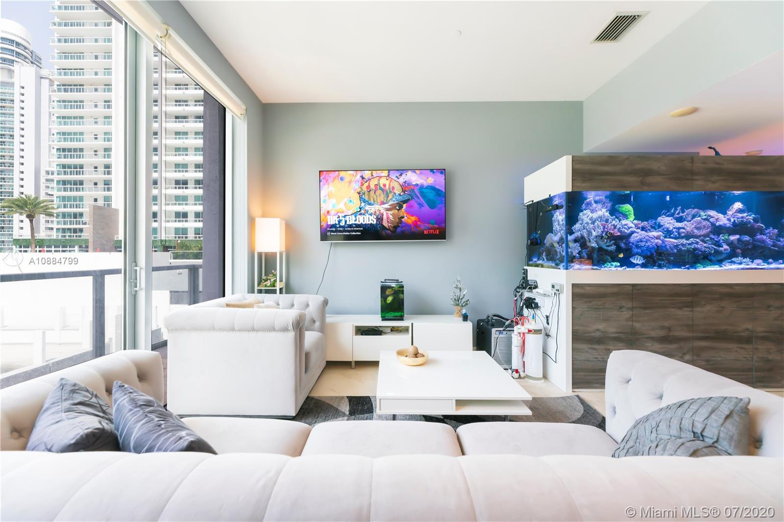 1060 Brickell Ave #1209 photo04