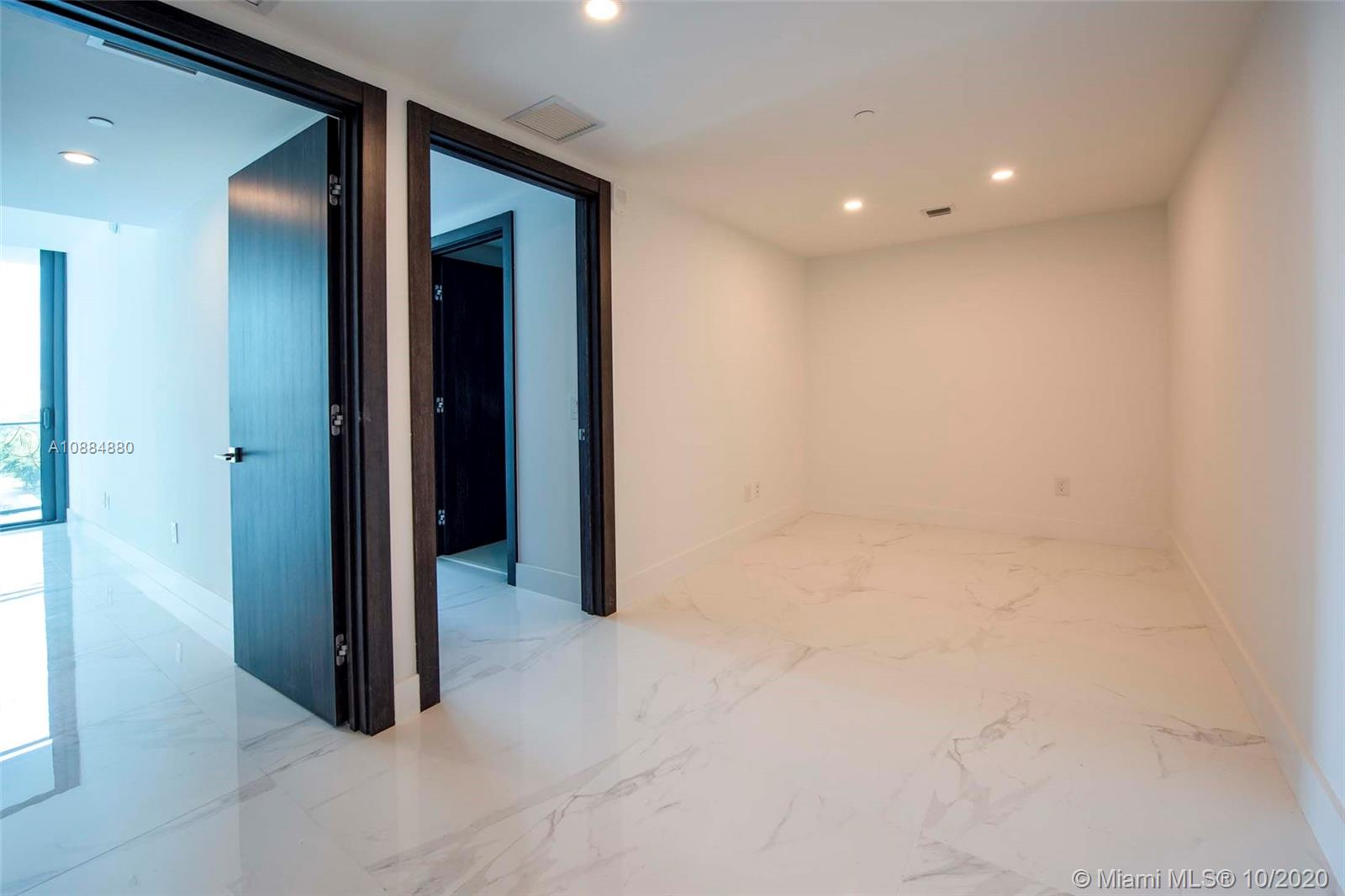 Photo of 3131 NE 7th Ave #703 listing for Sale