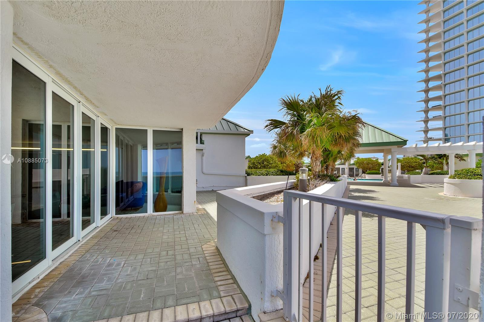 16711 Collins Ave #608 photo026