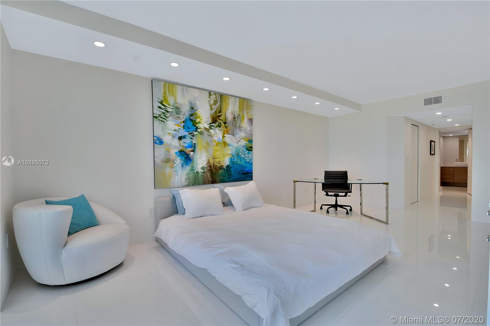 16711 Collins Ave #608 photo024