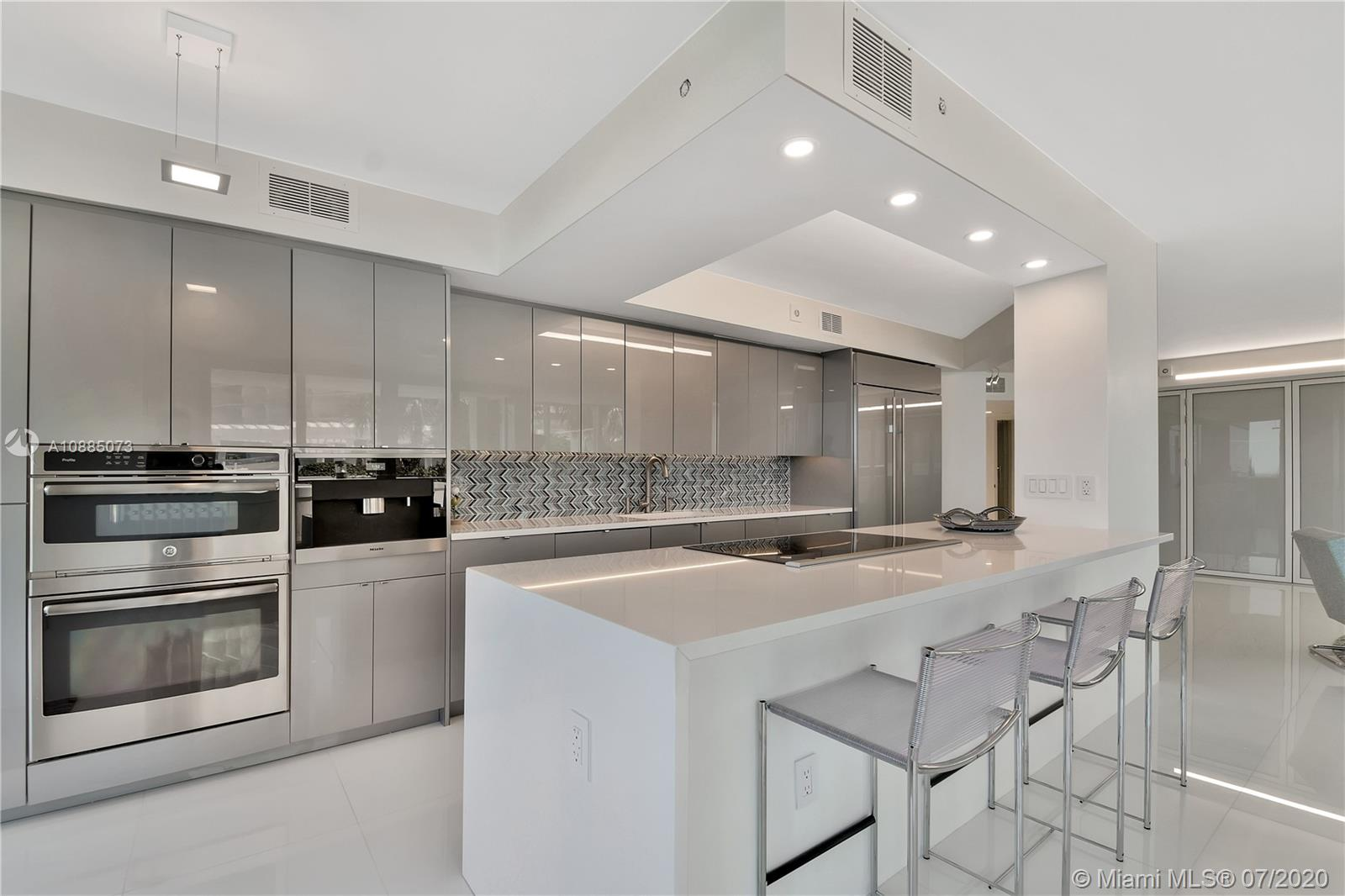 16711 Collins Ave #608 photo010