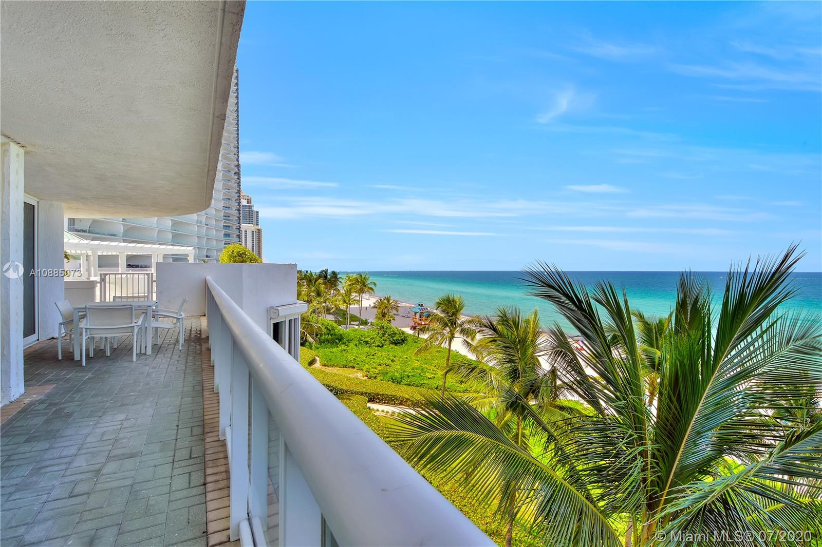 16711 Collins Ave #608 photo018