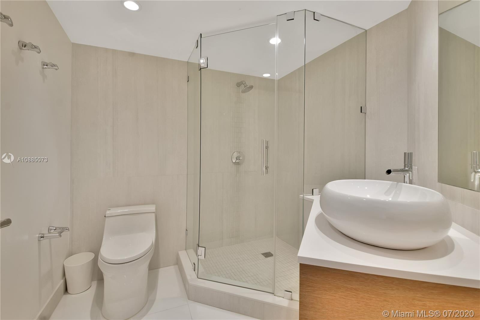 16711 Collins Ave #608 photo025