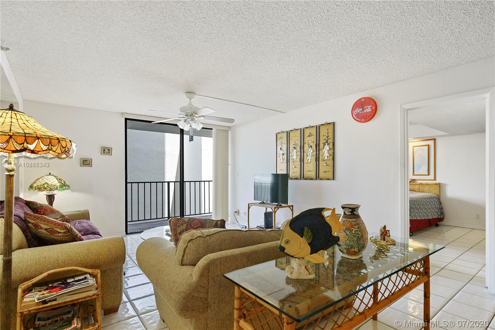 2625 Collins Ave #408 photo07