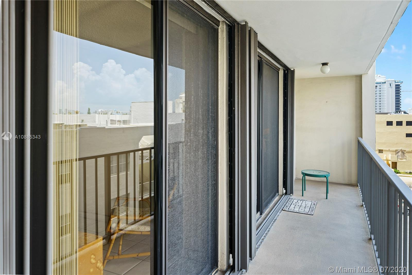 2625 Collins Ave #408 photo014