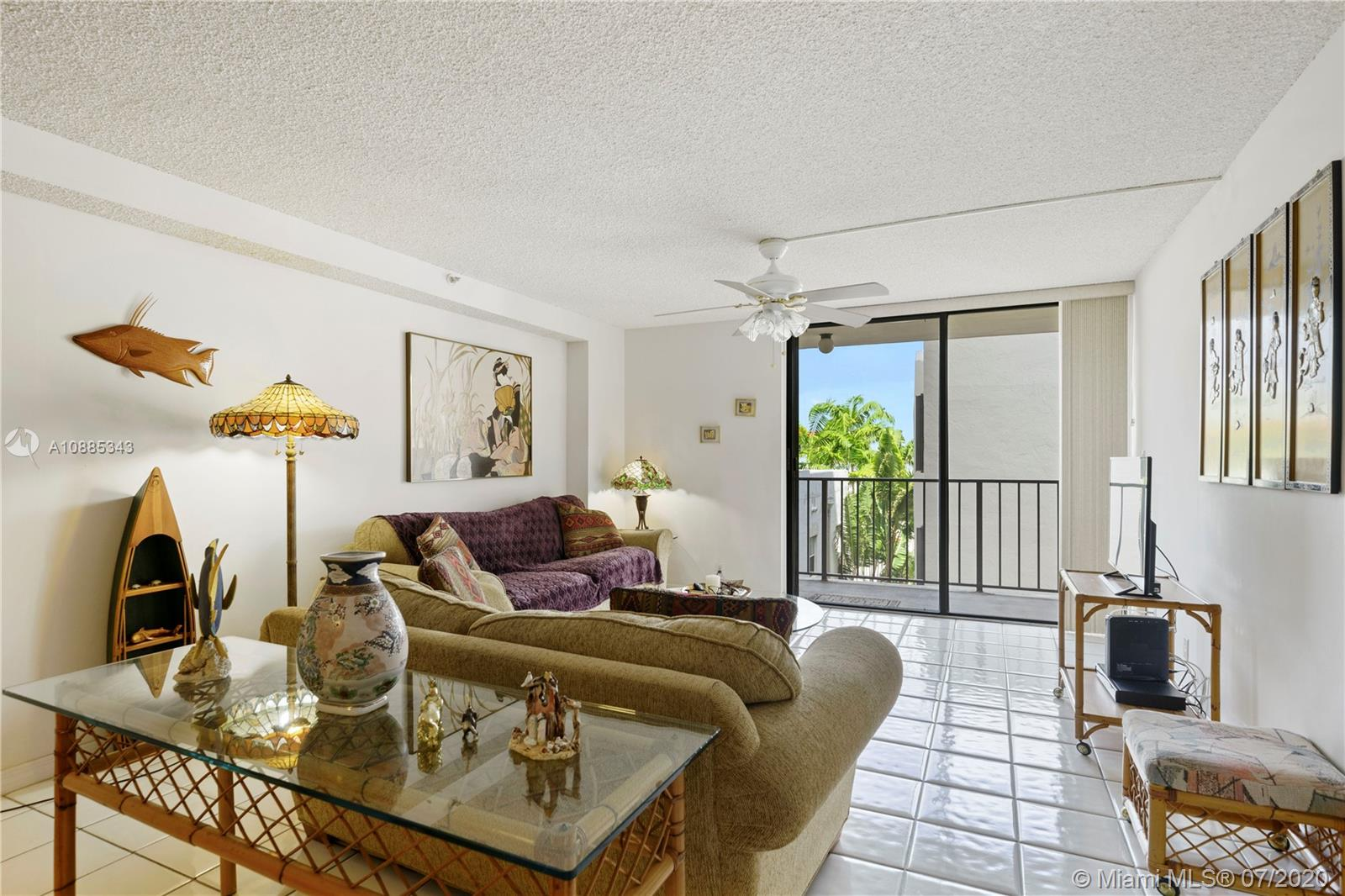 2625 Collins Ave #408 photo04