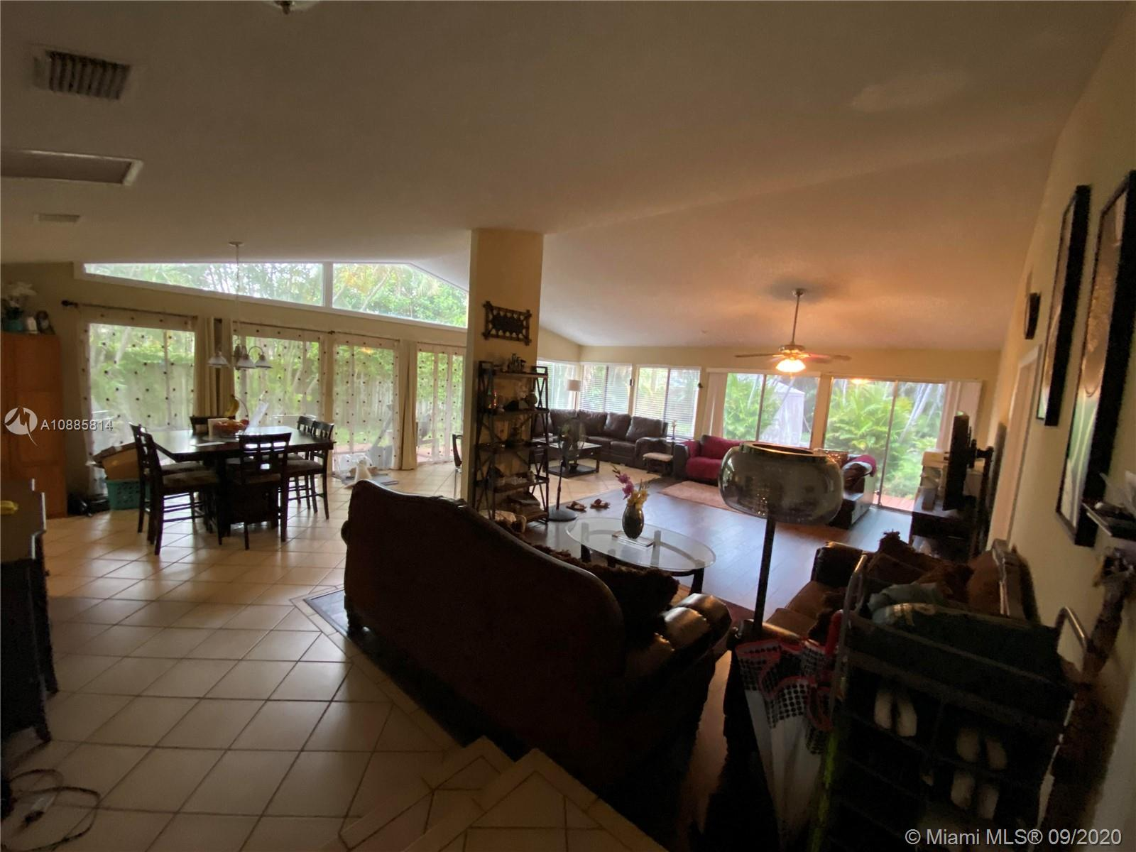 2440 SW 80th Ter photo04