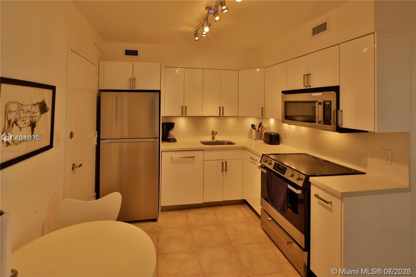 5161 Collins Ave #711 photo04