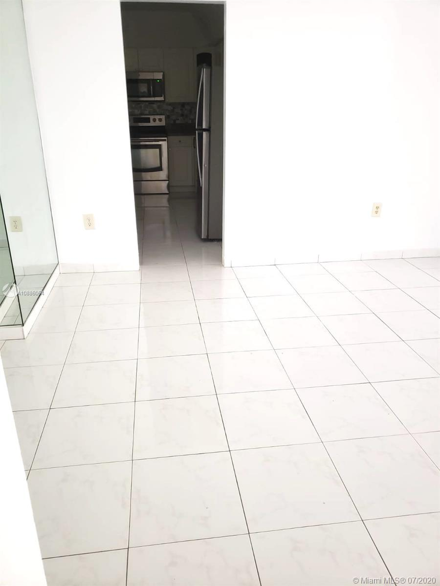 10185 Collins Ave #721 photo07