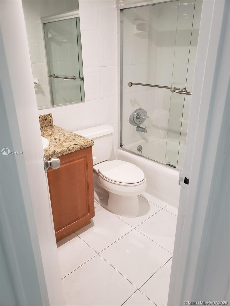 10185 Collins Ave #721 photo011