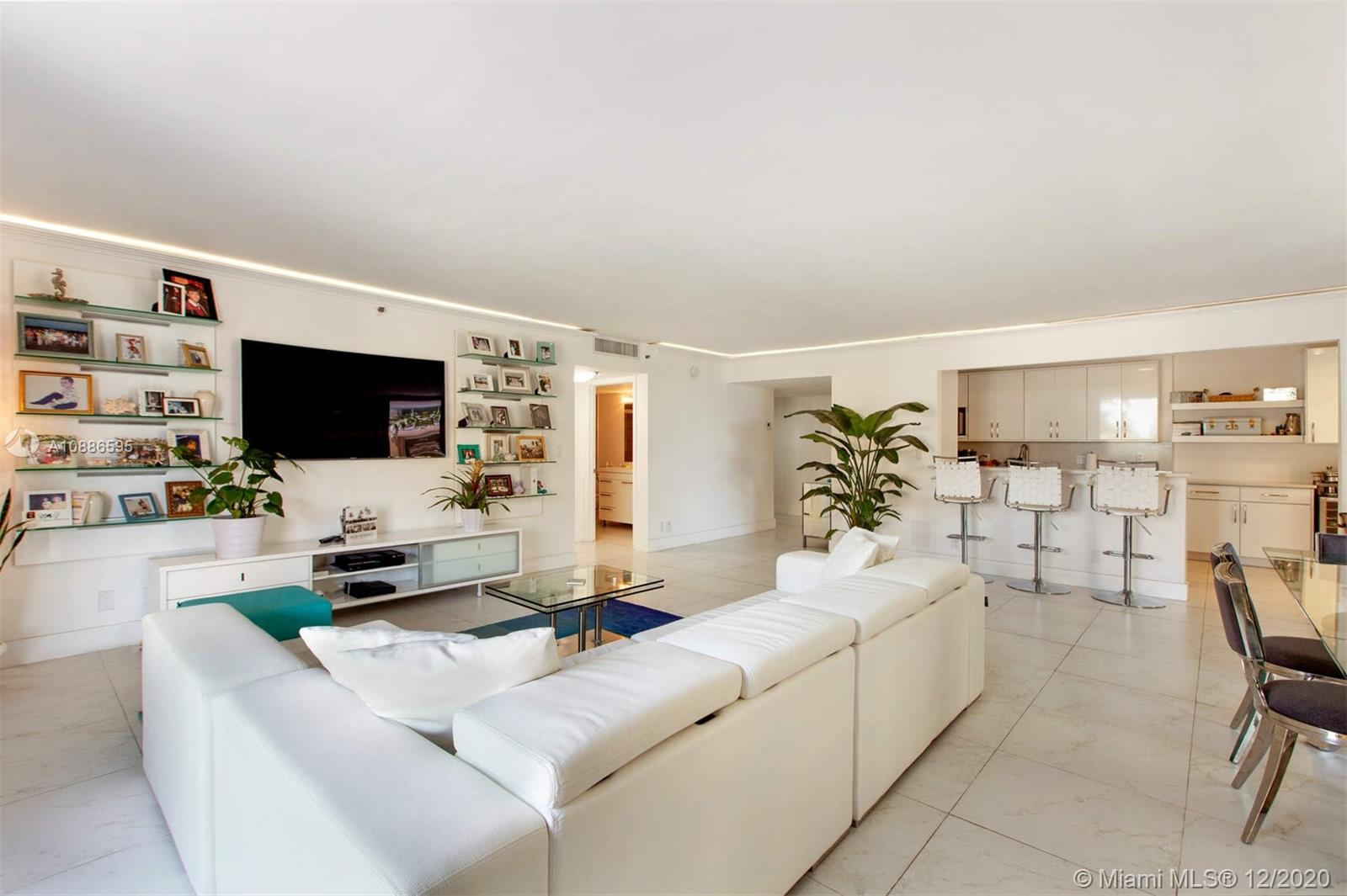 8877 Collins Ave #207 photo01