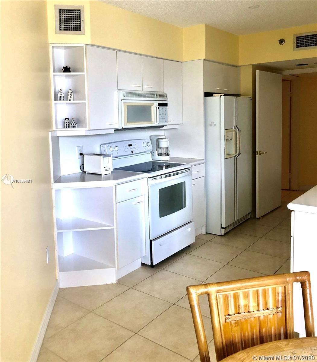 16445 Collins Ave #428 photo020