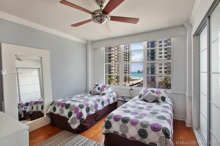 5700 Collins Ave #6D photo09
