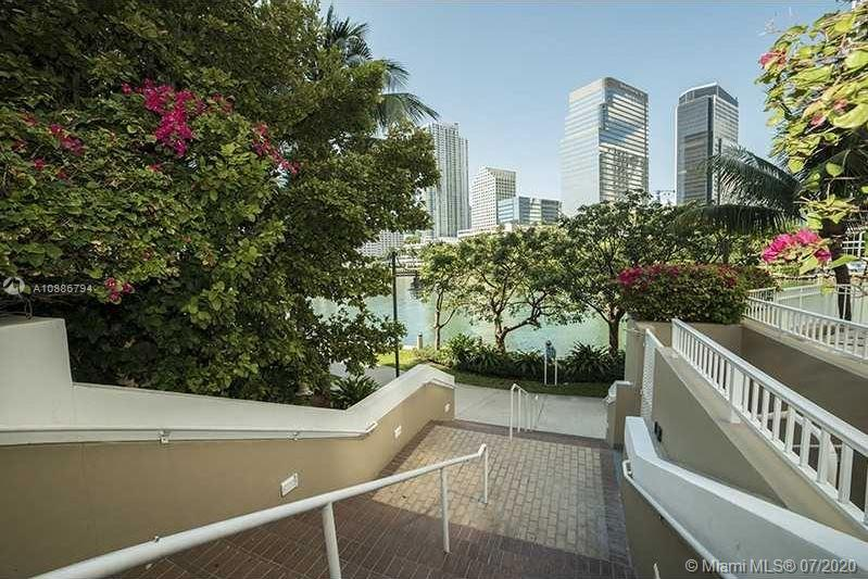 Photo of 701 Brickell Key Blvd #707 listing for Sale
