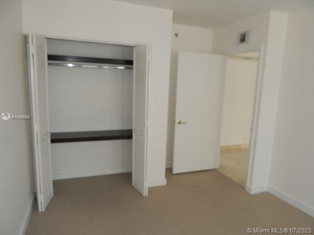 16425 Collins Ave #1115 photo020