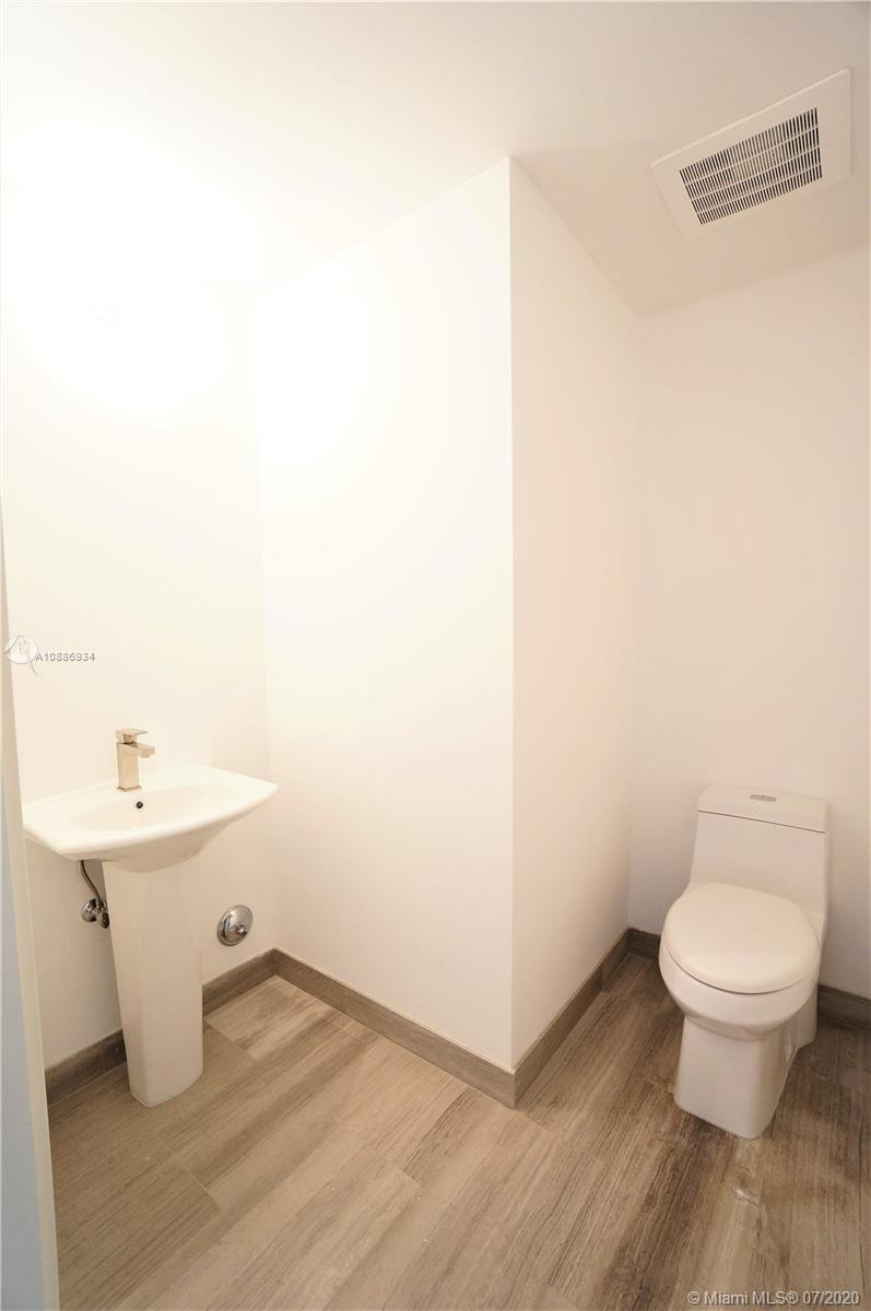 1300 Brickell Bay Dr #2401 photo05
