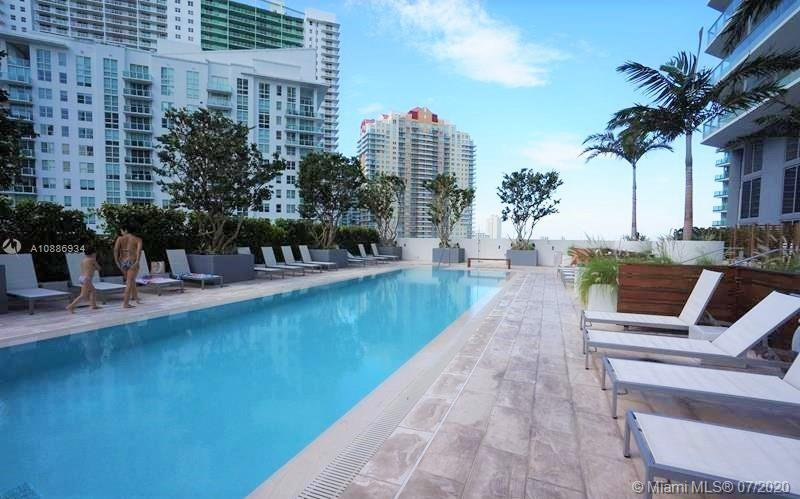 1300 Brickell Bay Dr #2401 photo030