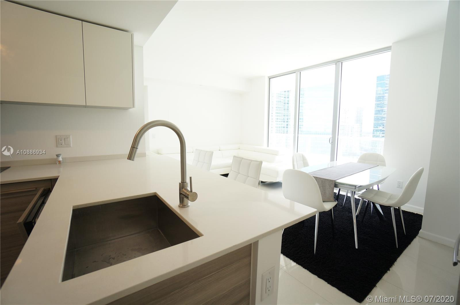 1300 Brickell Bay Dr #2401 photo010