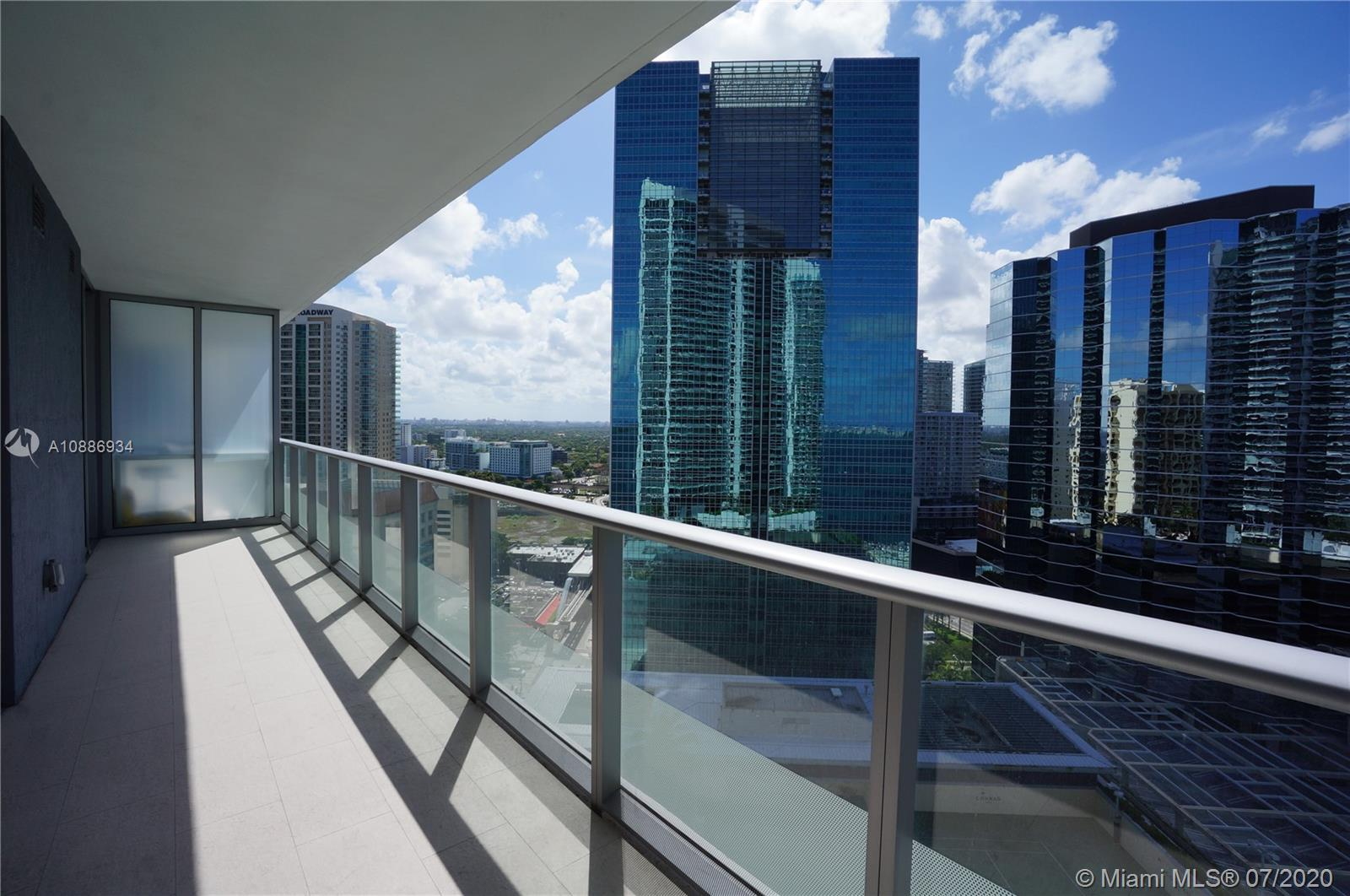 1300 Brickell Bay Dr #2401 photo018