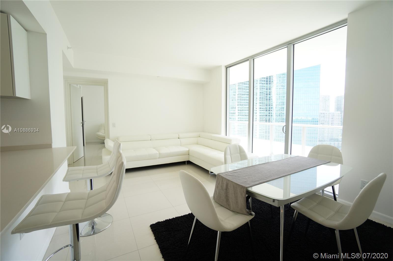 1300 Brickell Bay Dr #2401 photo011