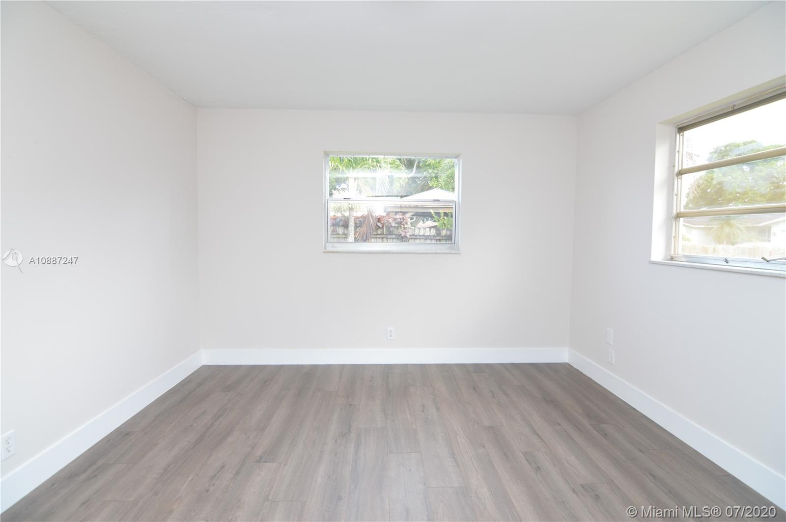 1701 NW 111 Ter photo022