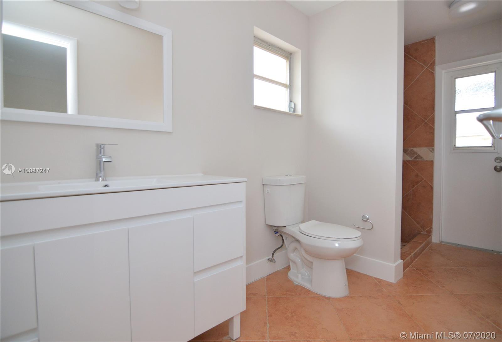 1701 NW 111 Ter photo028