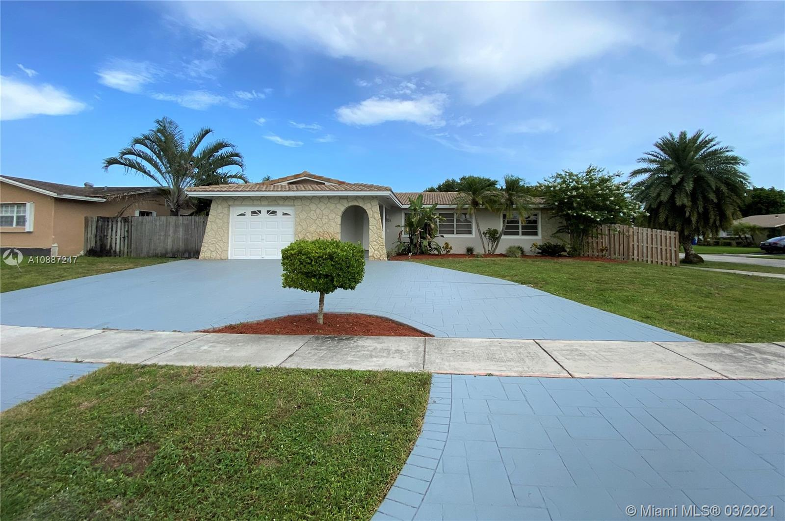 1701 NW 111 Ter photo05