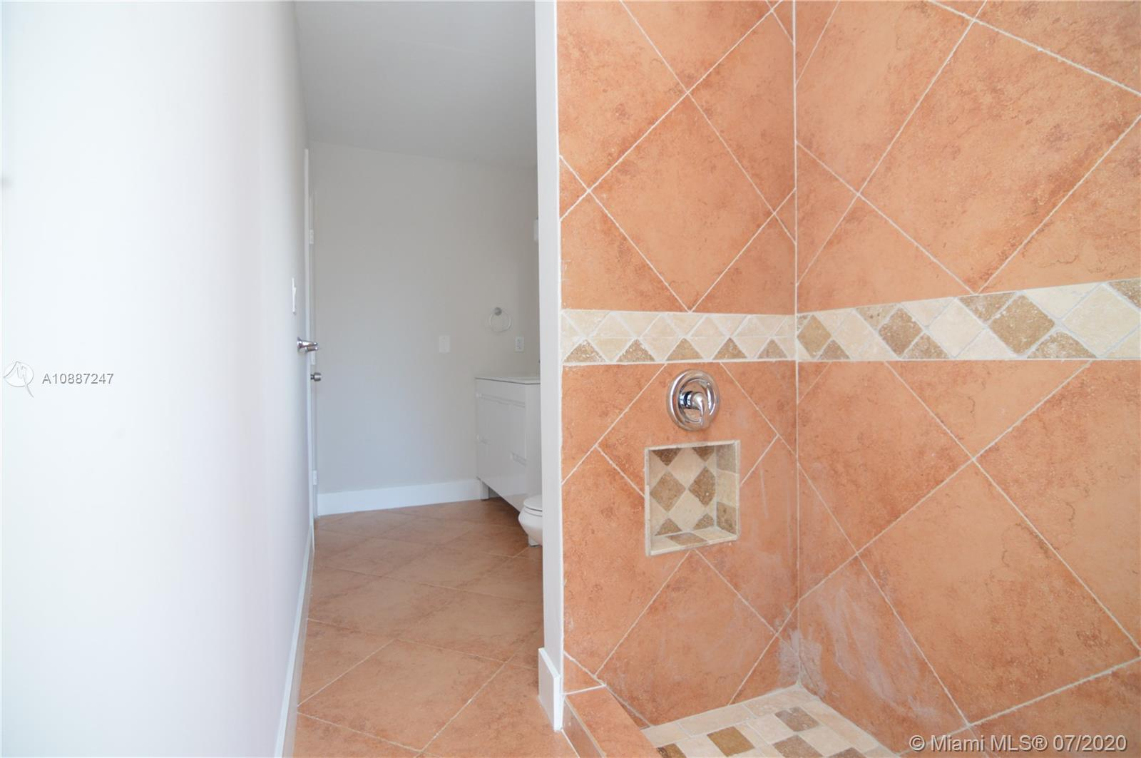 1701 NW 111 Ter photo029