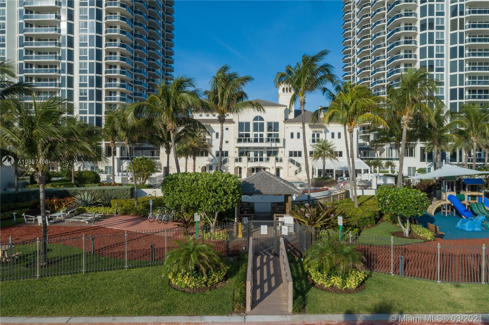 Photo of 4779 Collins Ave #PH4306 listing for Sale