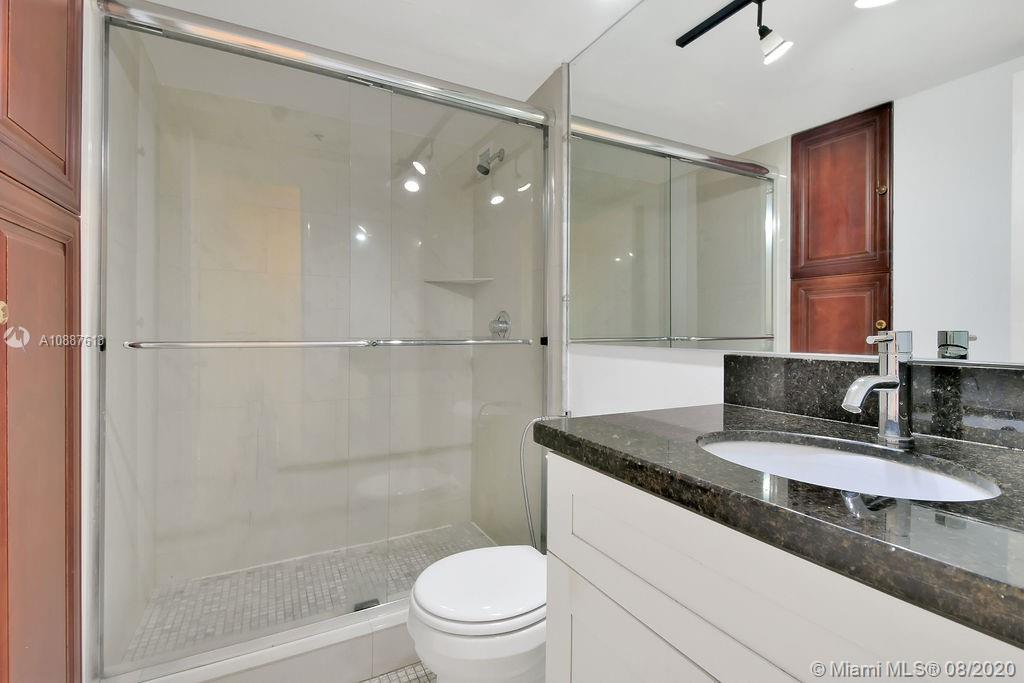 5225 Collins Ave #420 photo018