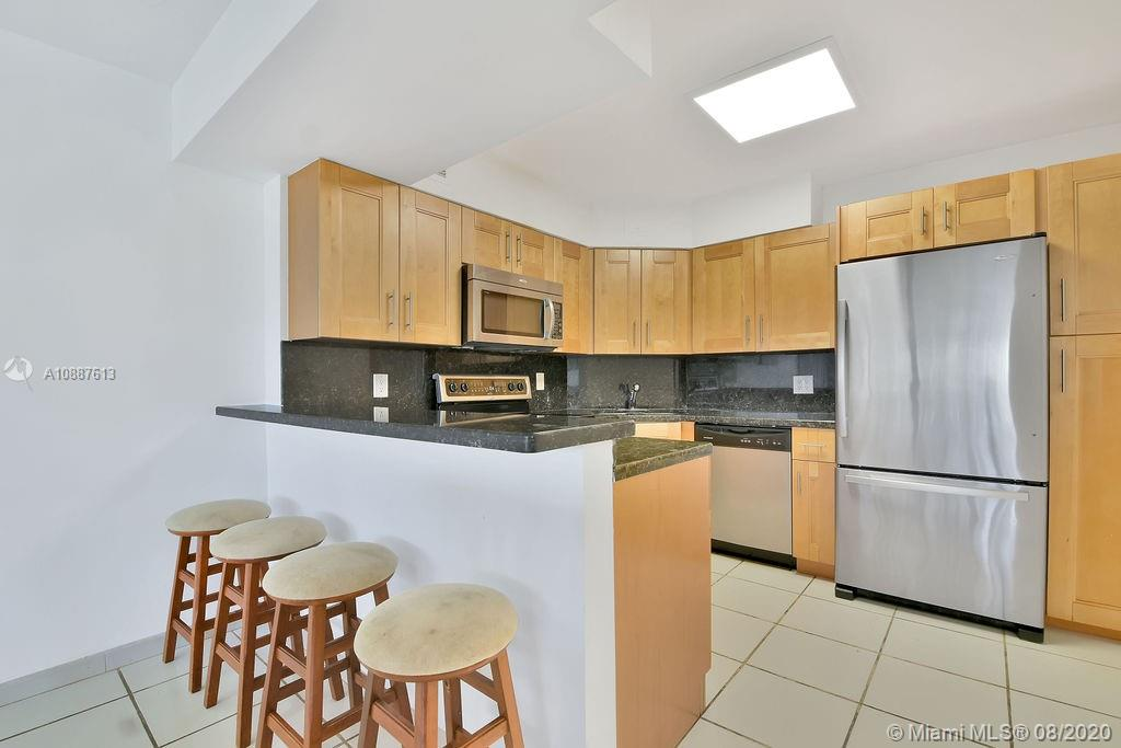 5225 Collins Ave #420 photo021
