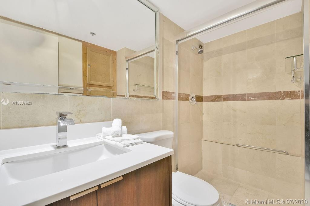 5225 Collins Ave #421 photo022