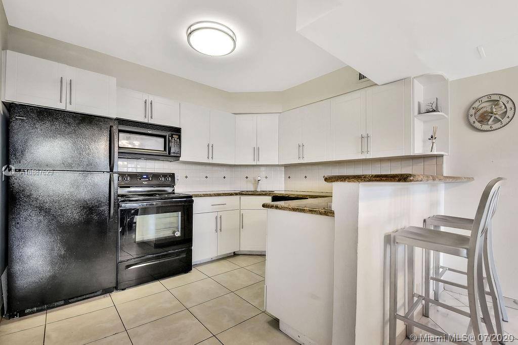 5225 Collins Ave #421 photo014
