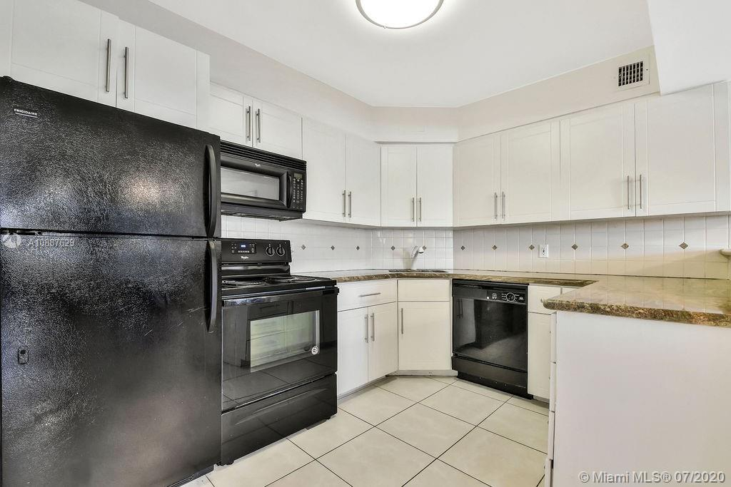 5225 Collins Ave #421 photo015
