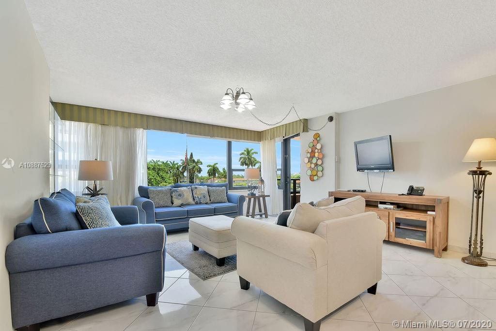 5225 Collins Ave #421 photo011